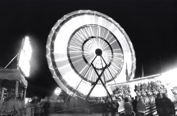 """Puyallup UFO"", Ferris wheel resembling some some sci-fi action like tron."
